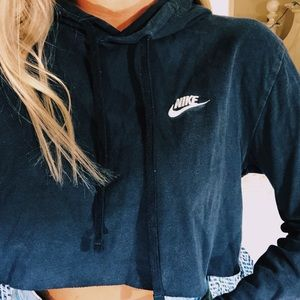 navy nike cropped hoodie